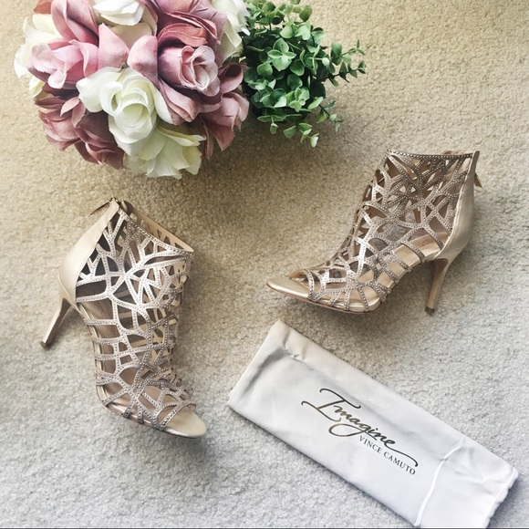 740aab4c8eaa Vince Camuto Gold Embellished Parker Cage Sandals.  M 5a5101e185e605738800ebd3